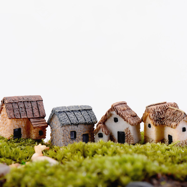 1PC Random Pattern Mini Small House Cottages DIY Toys Crafts Figure Moss Terrarium Fairy Garden Ornament Landscape Decor Dollhouse