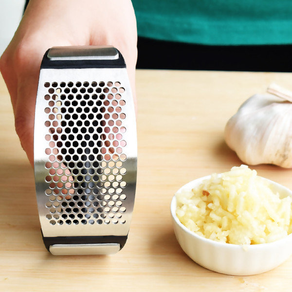 Stainless Steel Garlic Presser Curved Garlic Grinding Slicer Chopper Cooking Gadgets Tool